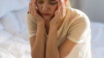 Почему кружится голова, когда резко встаешь с кровати или ложишься